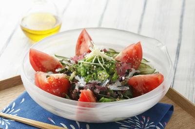 トマトと海草ミックスのだしサラダ出来上がり図
