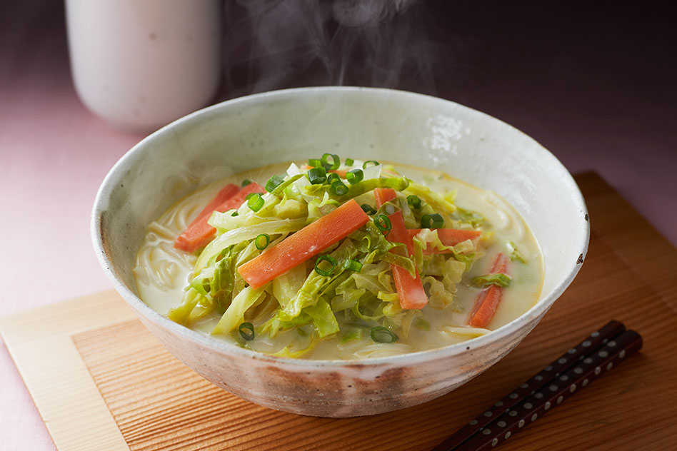 ひとくちカレーと春野菜のスープうどん出来上がり図