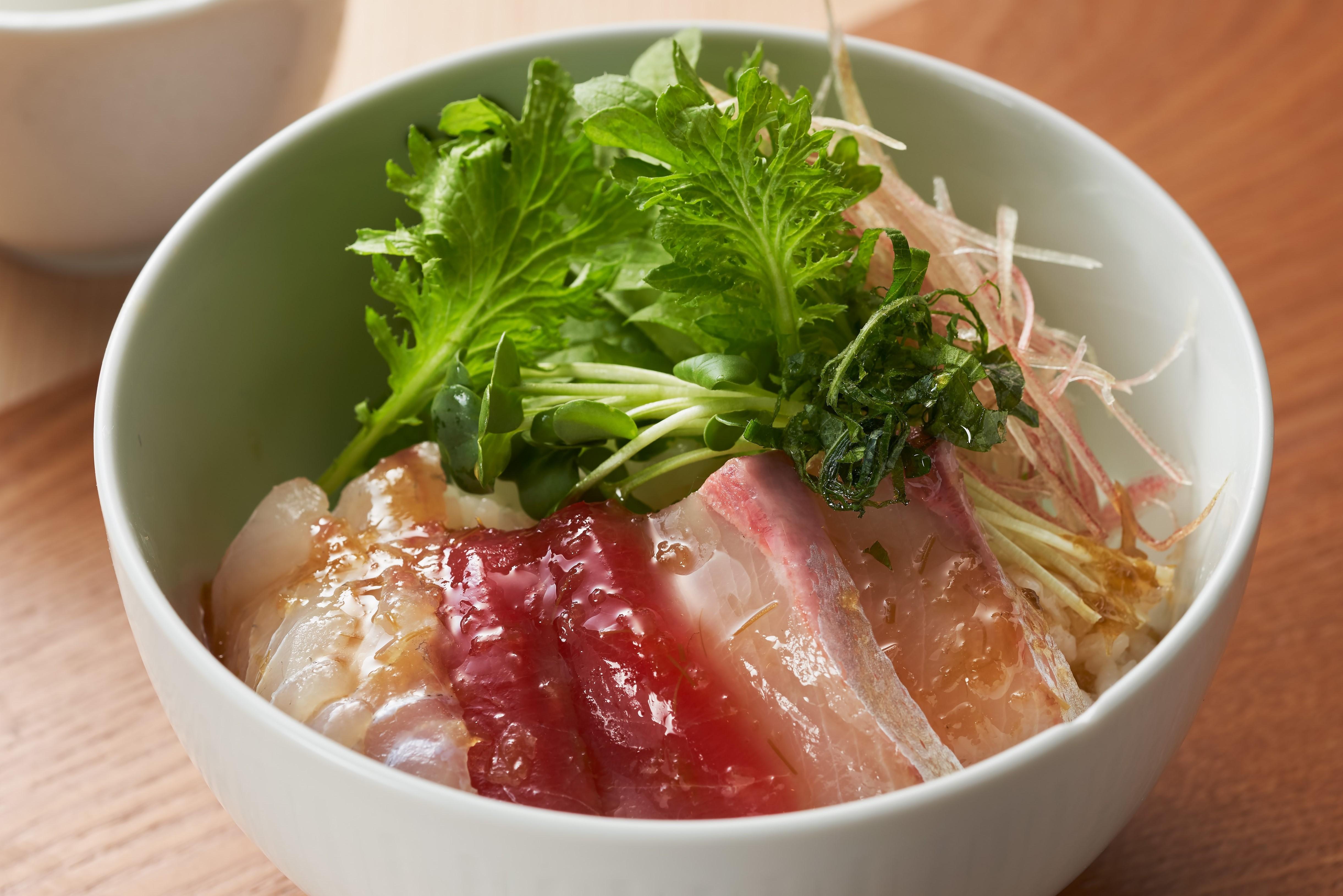 春の海鮮丼わさびドレッシング風味出来上がり図